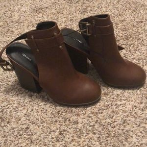New with tags slip on ankle boots forever21